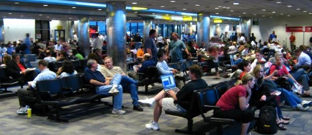 turistas aeropuerto slide2