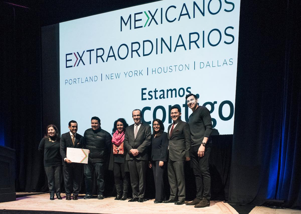 Mexicanos extraordinarios slide